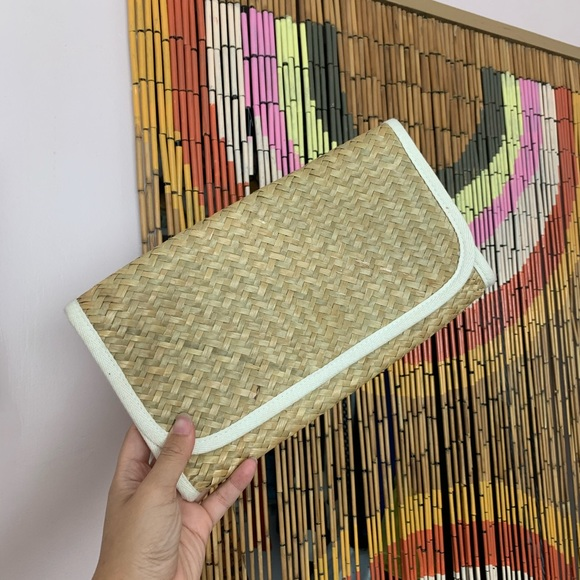 Vintage Handbags - Vintage woven bamboo clutch!